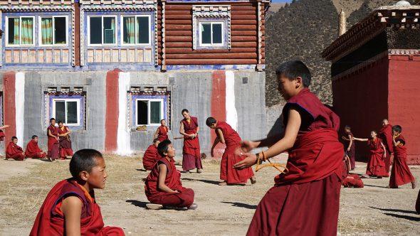 Monastery-Galinteng-debate