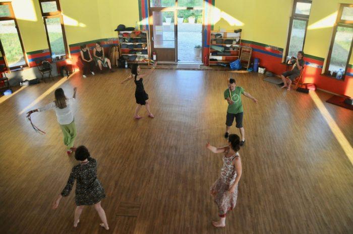khaita-kelet-merigar-dancing